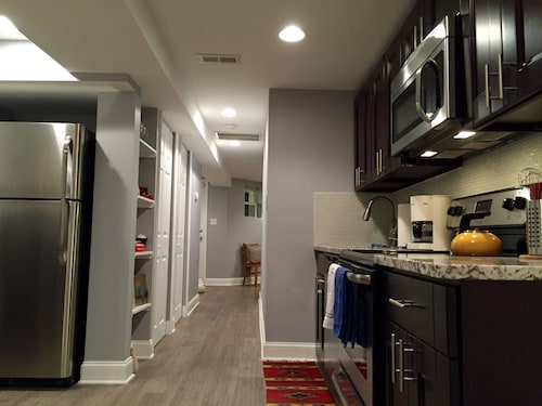 New Apartment in Classic DC Row House - Steps From Dining, 2 Blocks From Metro!