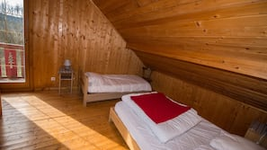4 chambres, fer et planche à repasser, accès Internet