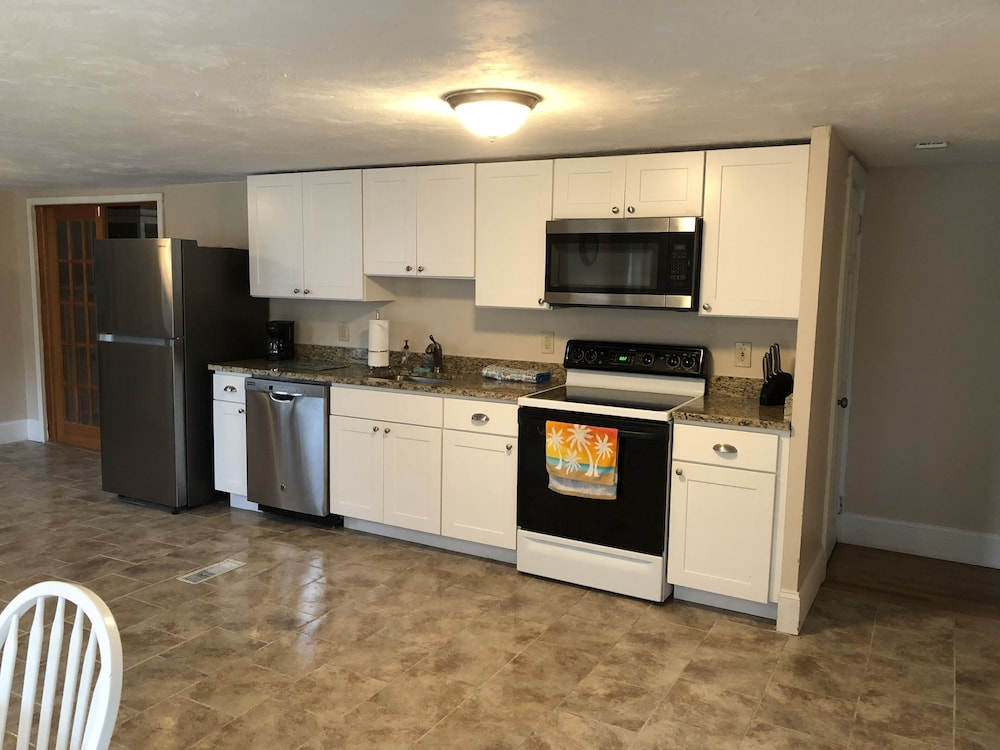 Gorgeous, Renovated 4 Bedroom 2.5 Bathroom 3/10 of a Mile to ...