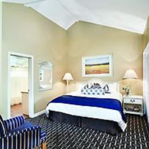 Room, Wyndham Newport Overlook