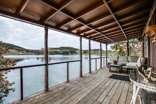 Private Lake Cabin on 120 Acres, 4.5 Miles From Boerne