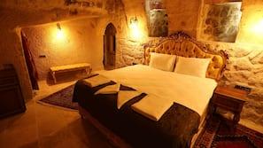 Egyptian cotton sheets, premium bedding, minibar, individually decorated