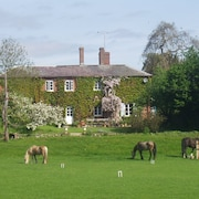 Lower Buckton Country House - Sleeps 12