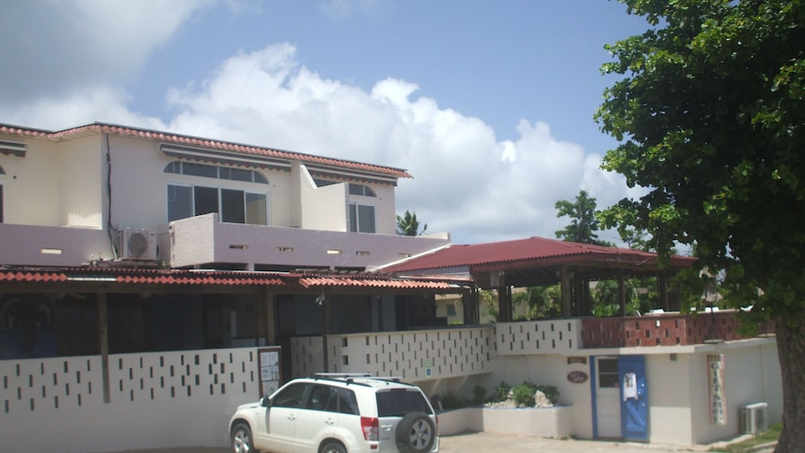 Esperanza Oceanfront Apartments