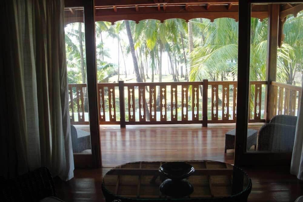 Balcony, Yoma Cherry Lodge