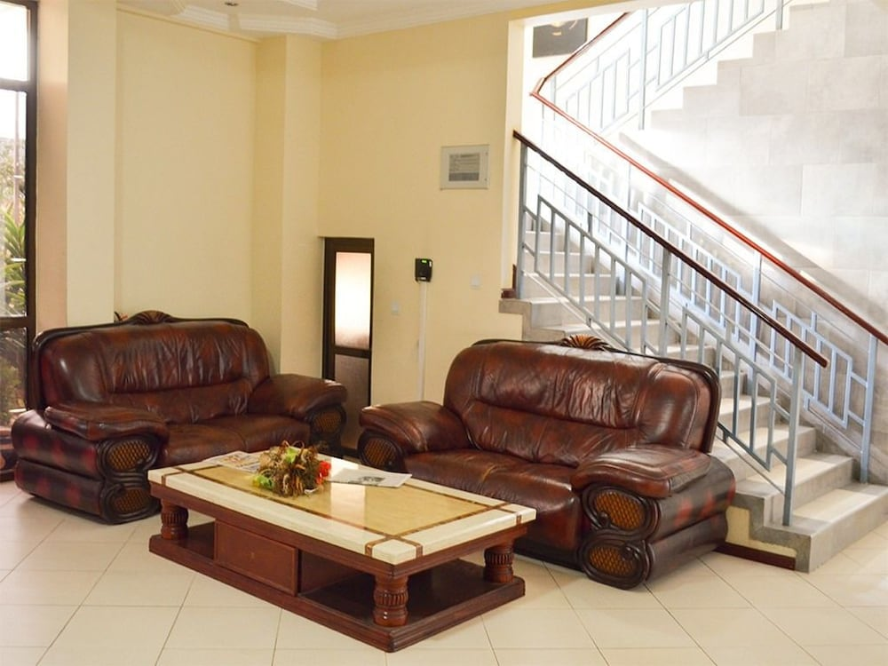 Lobby Sitting Area, THE GRAND VILLA HOTEL