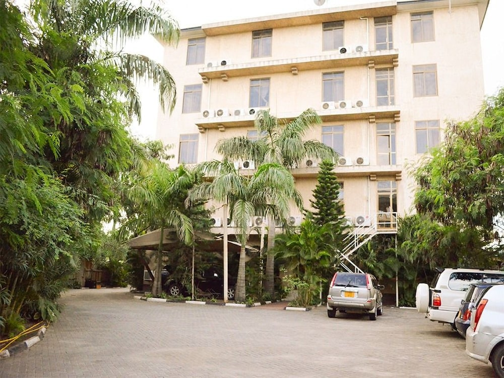 Parking, THE GRAND VILLA HOTEL