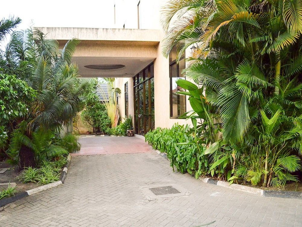 Property Entrance, THE GRAND VILLA HOTEL