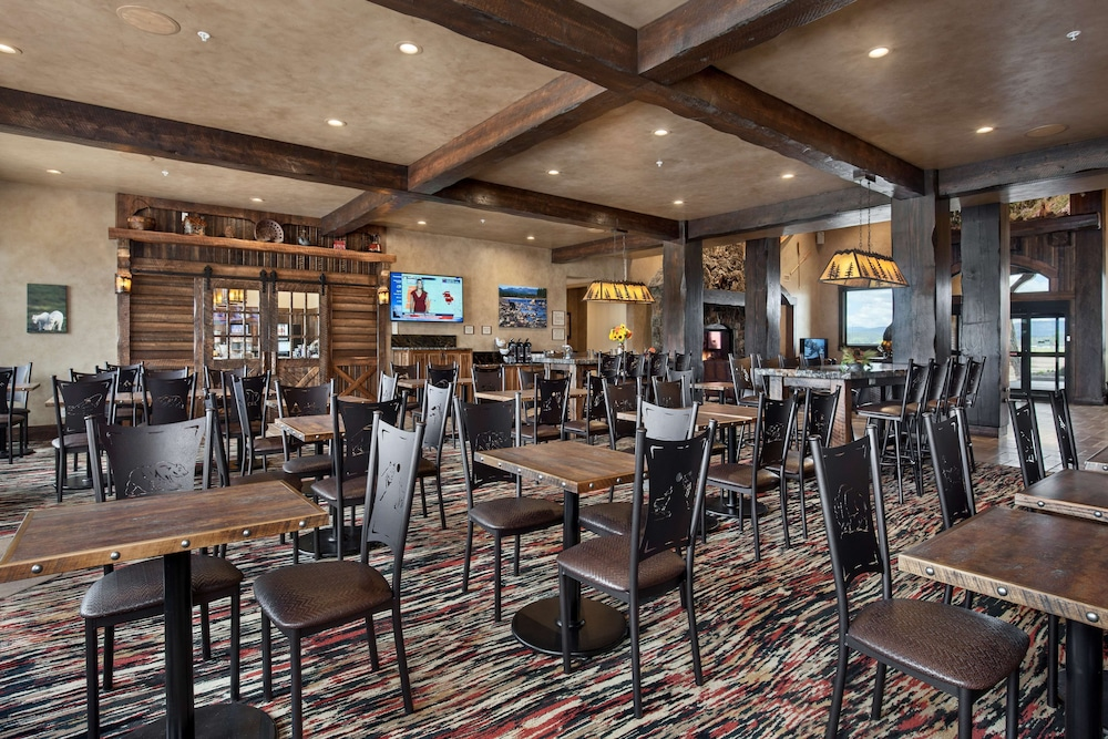 Restaurant, Country Inn & Suites by Radisson, Kalispell, MT - Glacier Lodge