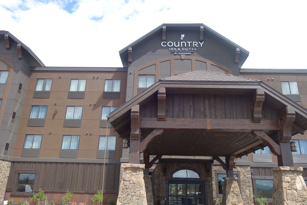 Exterior, Country Inn & Suites by Radisson, Kalispell, MT - Glacier Lodge