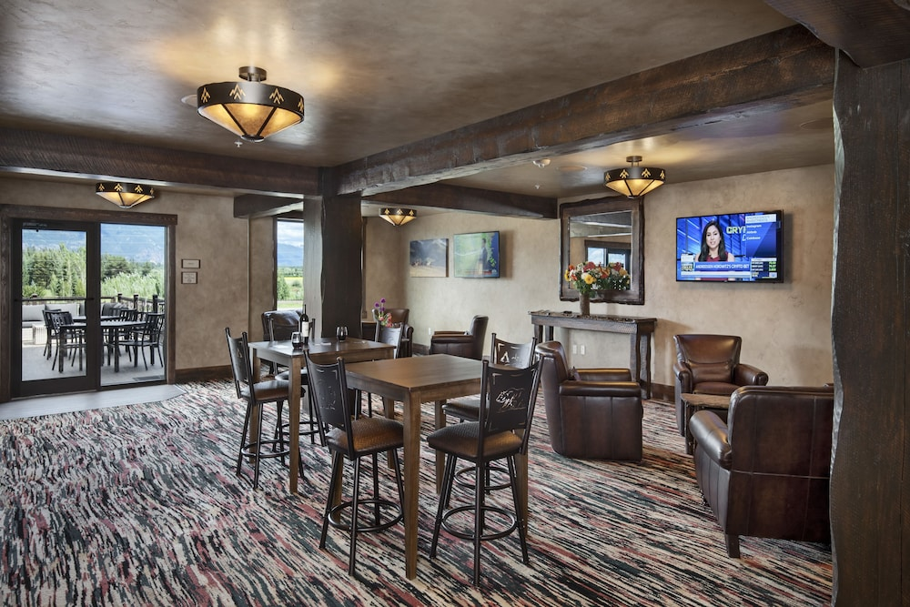 Lobby Sitting Area, Country Inn & Suites by Radisson, Kalispell, MT - Glacier Lodge