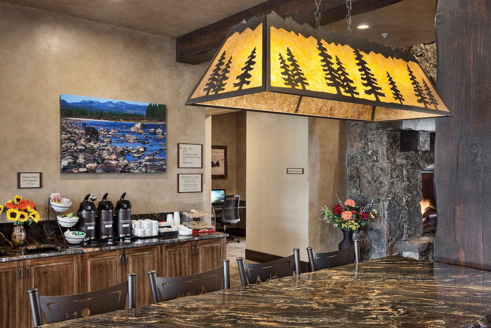 Property Amenity, Country Inn & Suites by Radisson, Kalispell, MT - Glacier Lodge