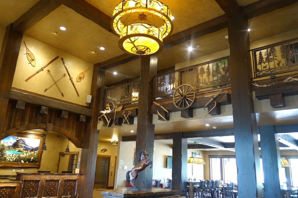 Lobby, Country Inn & Suites by Radisson, Kalispell, MT - Glacier Lodge
