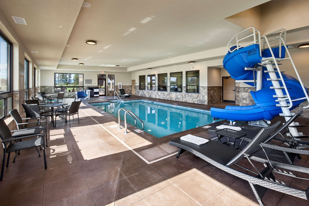 Indoor Pool, Country Inn & Suites by Radisson, Kalispell, MT - Glacier Lodge