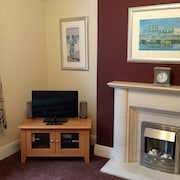 Harbour Court B is a two Bedroom two Bathroom Self Catering Holiday Apartment