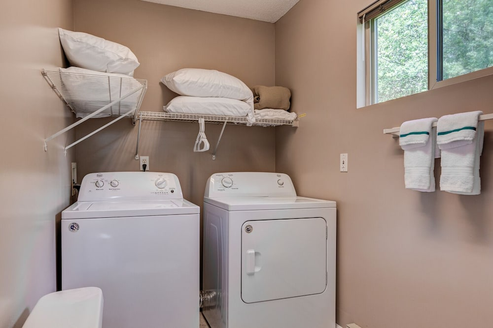 Laundry, Eastern Sky - 1 Br Home