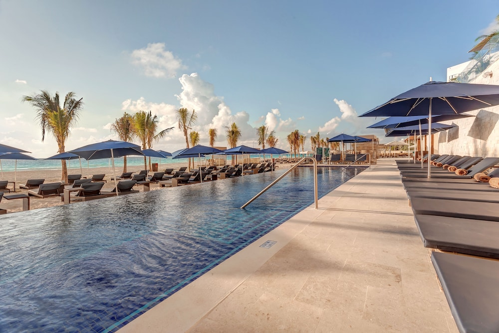 Outdoor Pool, Royalton Chic Suites Cancun