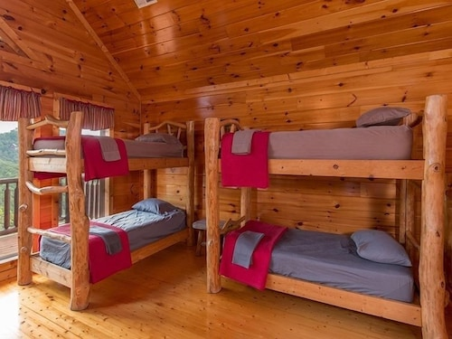 Room, Splash Country 4 Bedroom Cabin