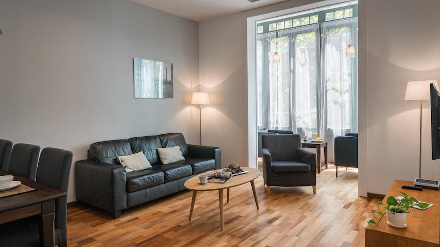Habitat Apartments Alibei