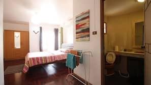 3 ห้องนอน, เตารีด/โต๊ะรีดผ้า, บริการ WiFi ฟรี