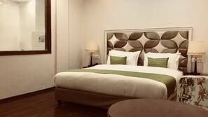 1 bedroom, Egyptian cotton sheets, premium bedding, Tempur-Pedic beds