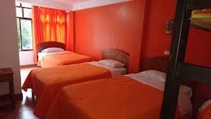 Roupas de cama premium, frigobar, escrivaninha