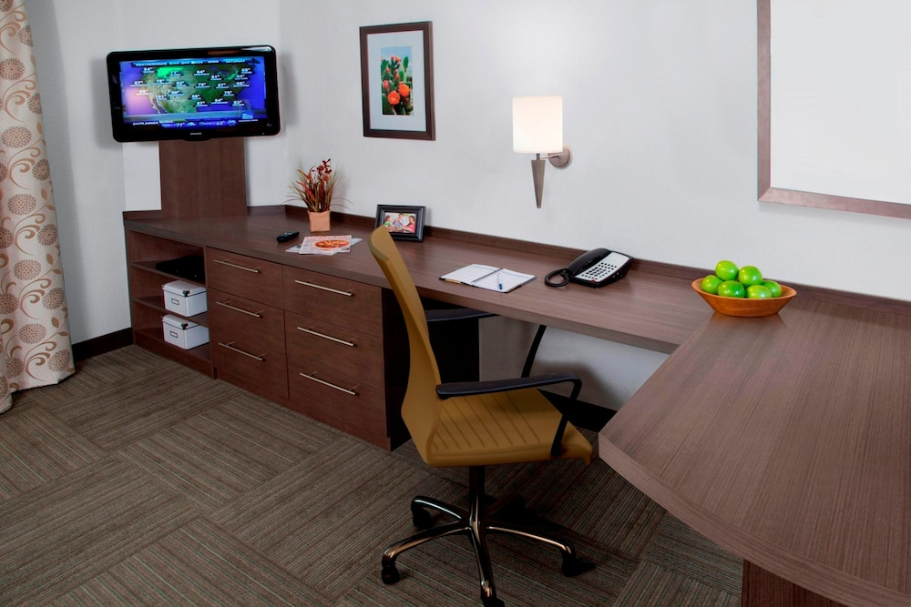 In-Room Business Center, Candlewood Suites Memphis East, an IHG Hotel