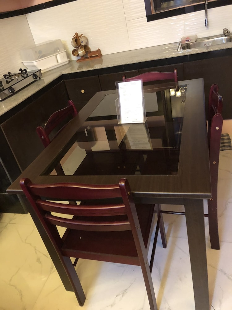 In-Room Dining, Luzville Residences