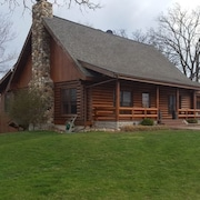 Country Cabin On 6 Acres By Rockton With Barn E