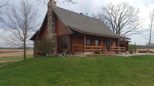 Country Cabin on 6 Acres by Rockton With Barn Space