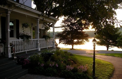 Check Expedia for Availability of Pleasant lake house