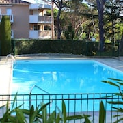 Studio in Saint-raphaël, With Pool Access and Furnished Terrace - 5 km From the Beach