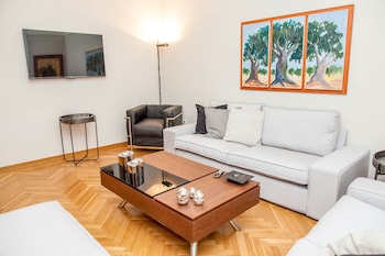 A Chic Kolonaki Apartment