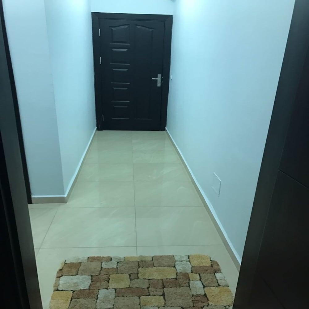 Studio Aida (Abidjan, CIV) | Expedia.com.au