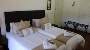 1 bedroom, linens, wheelchair access