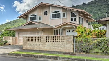 Serene Manoa Valley Home w/ Tropical Mtn. Views!