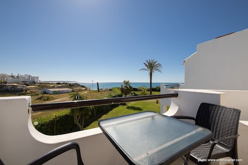 Stunning Apartment With Direct Access to the sea