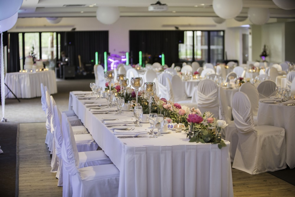 Indoor Wedding, DoubleTree by Hilton Quebec Resort