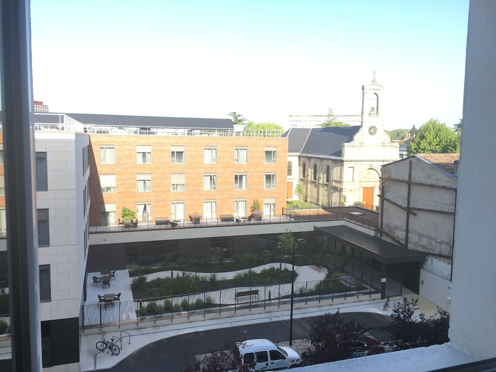 80 Square Meters IN Quiet in Bordeaux | Hotel Rates & Reviews on Orbitz