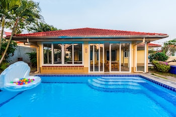 Fairys House Pool Villa