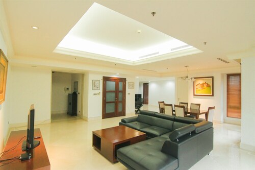 Luxurious 2 Bedroom SCBD Suites Apartment By Travelio
