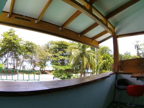 Pirripli Beachfront Apartment (CRI 24406369) photo