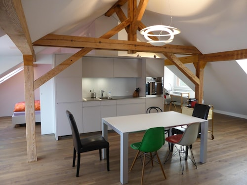 Top Modern 2-bedroom Penthouse Apartment in Bern - Beautiful Flat Roof in Berne City