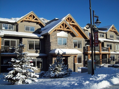 Hotels Near Canmore Nordic Centre