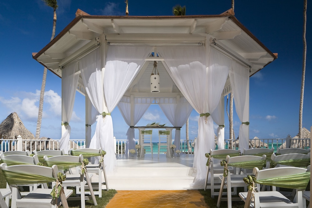 Outdoor Wedding Area, Melia Caribe Beach Resort - All Inclusive