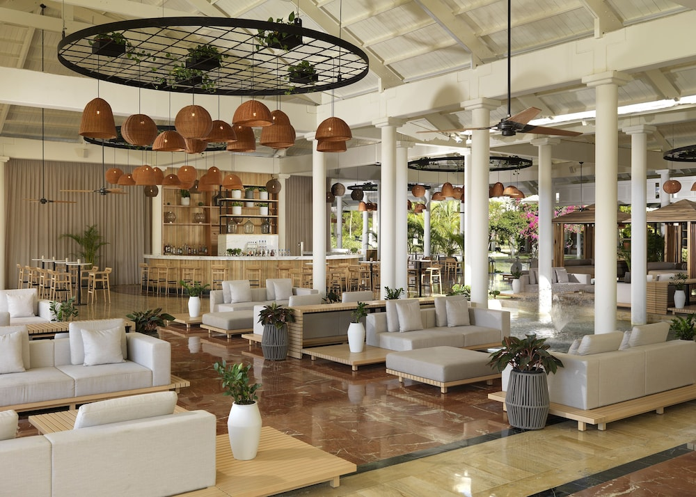 Lobby Sitting Area, Melia Caribe Beach Resort - All Inclusive