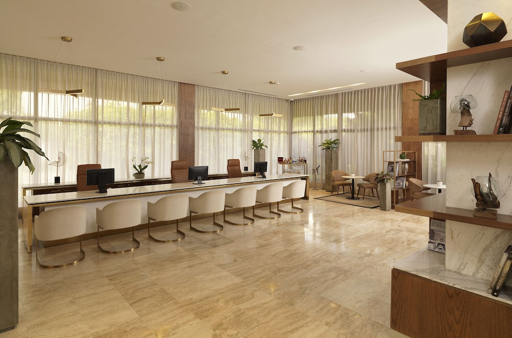 Executive Lounge, Melia Caribe Beach Resort - All Inclusive