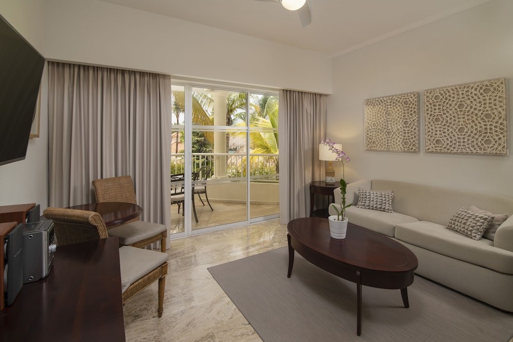 Living Area, Melia Caribe Beach Resort - All Inclusive