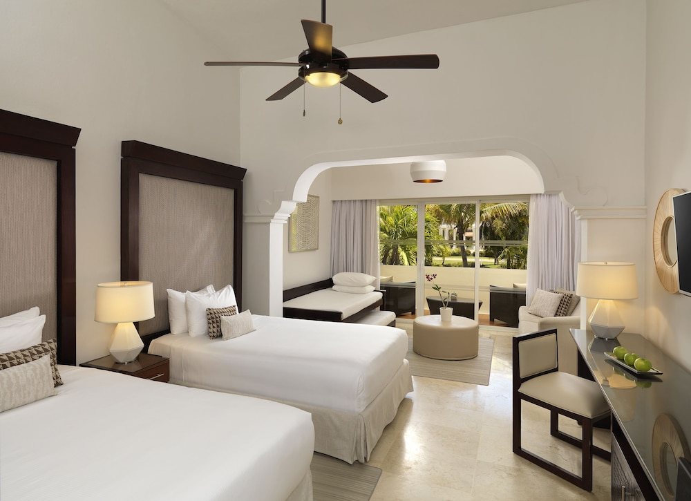 Room, Melia Caribe Beach Resort - All Inclusive