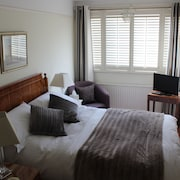 CRANLEIGH HOUSE BED AND BREAKFAST